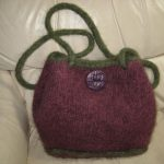 Pat's Bag - This lopi shpoulder bag comes in many colos and is very lightweight